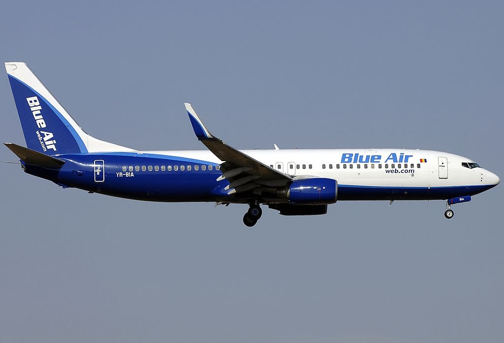 Boeing 737-800, Blue Air Foto: JP6580252″ by Aldo Bidini )