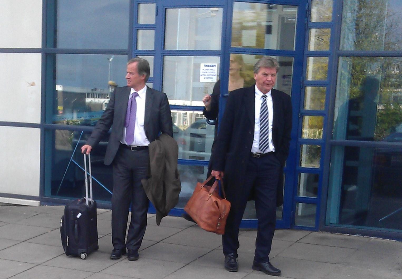 Norwegians koncernchef Bjørn Kjos og bestyrelsesformand Bjørn Kise ved et tidligere besøg hos Ryanair. (Privatfoto)