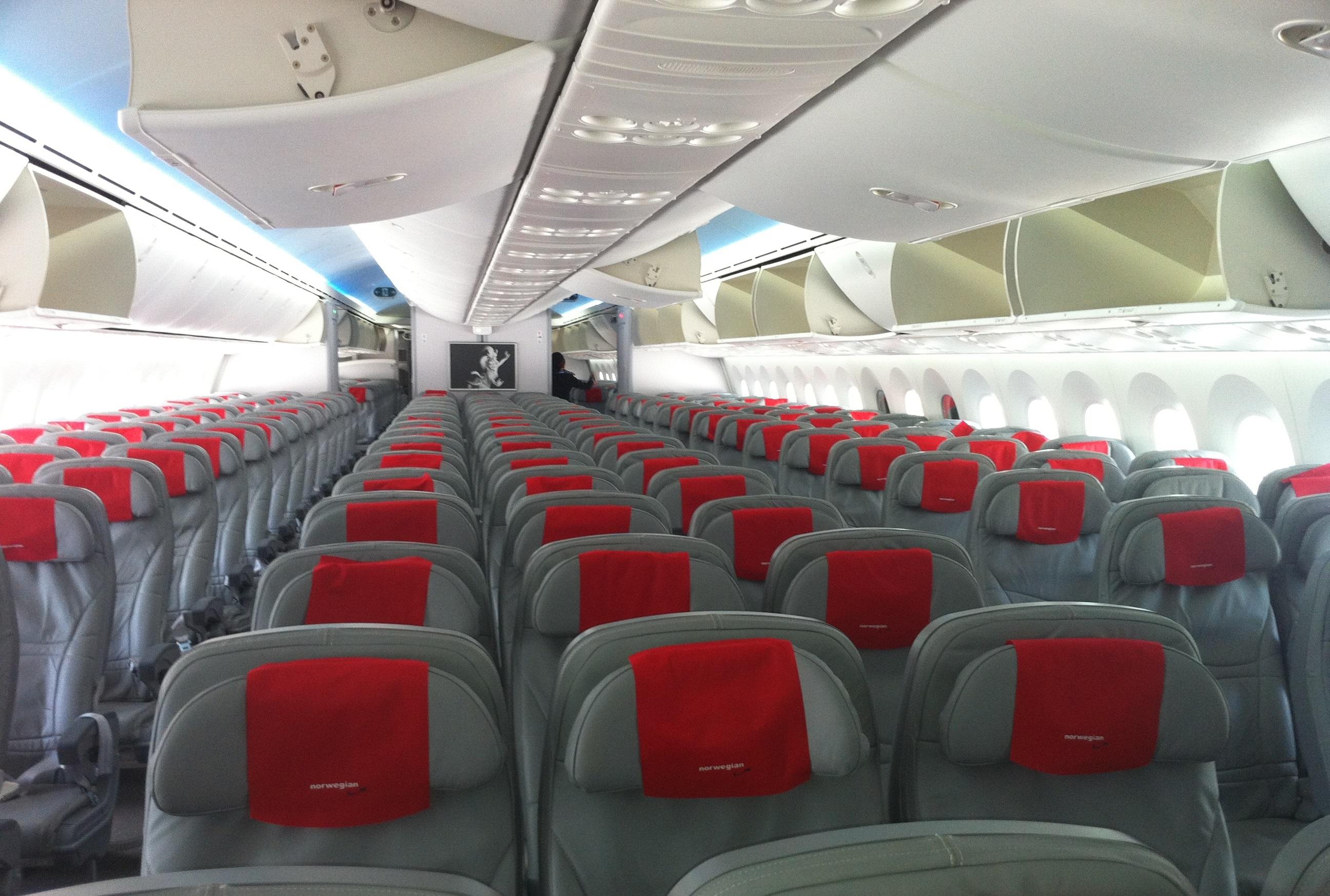 Interior i Dreamliner-kabine hos Norwegian. (Foto: Ole Kirchert Christensen)