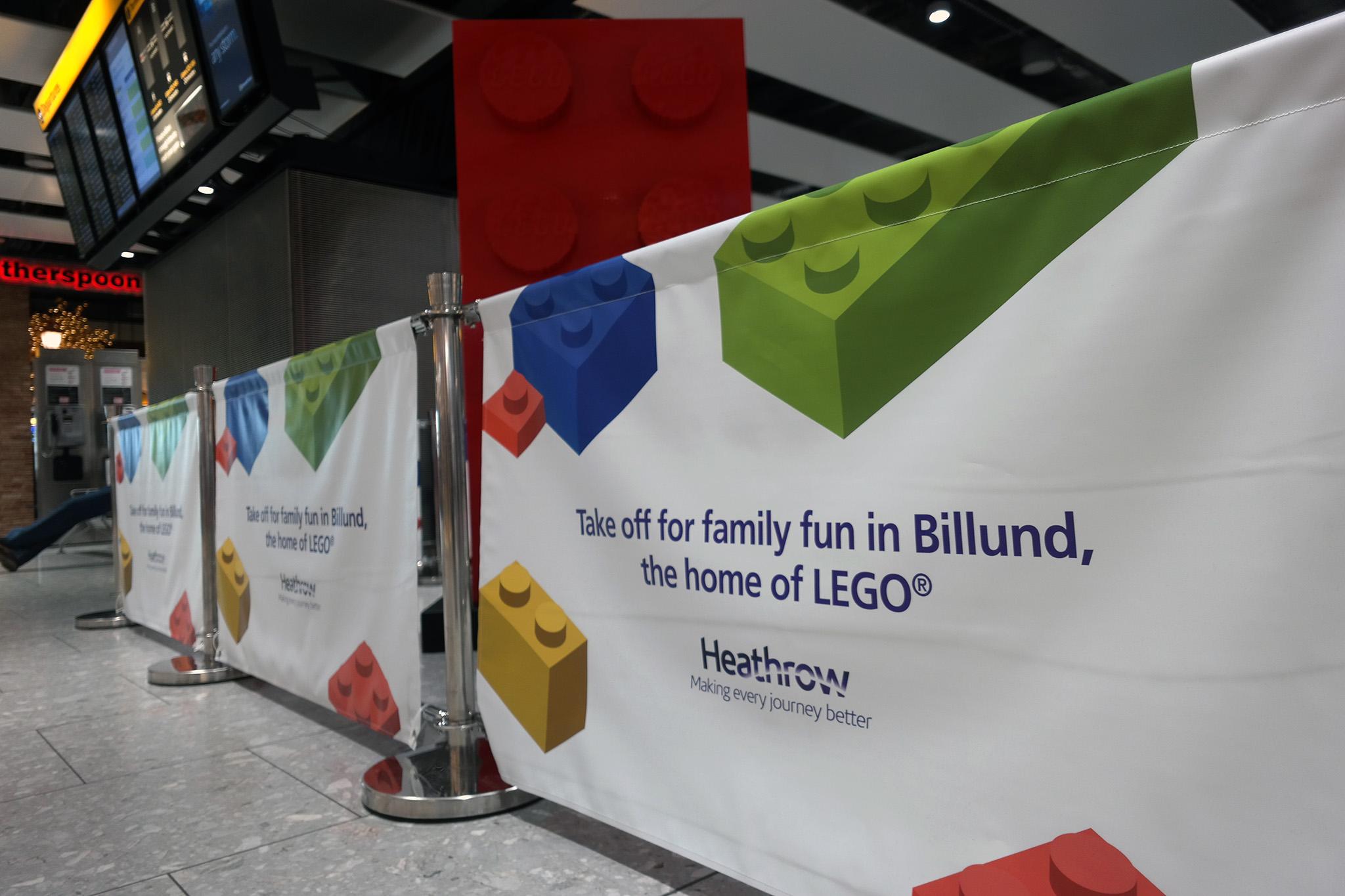 Også i London-Heathrow lufthavnen markeres den nye rute til Billund, med henvisning at man nu kan flyve til LEGO's hjemsted. (Foto: Joakim J. Hvistendahl)