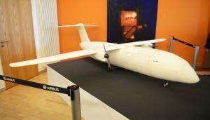 Denne flymodel på 4 x 4 meter er 3D printet og er del af et forskingsprojekt. (Foto: Joakim J. Hvistendahl)