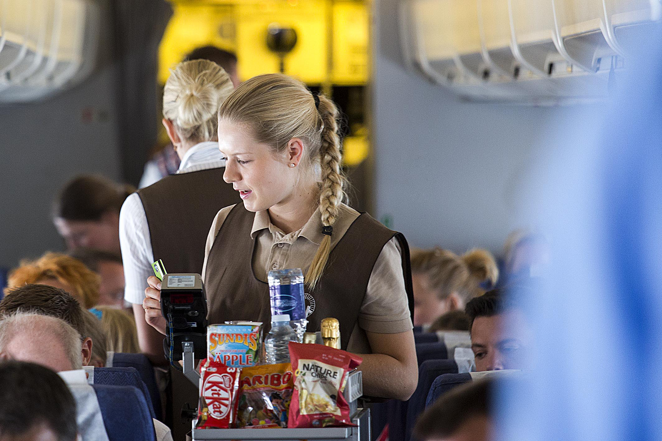 Service om bord på Jet Times Boeing 737. (Foto: Thorkild Jensen | Jet Time)