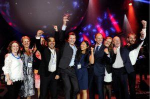 I september sidste år blev Københavns Lufthavns ruteudviklere kåret til verdens bedste. Fjorten dage senere blev chefen, Ole Wieth Christensen, fyret. Og siden har adskillige nøglemedarbejdere forladt afdelingen. Senest Ulv Elbirk, der står yderst til højre.