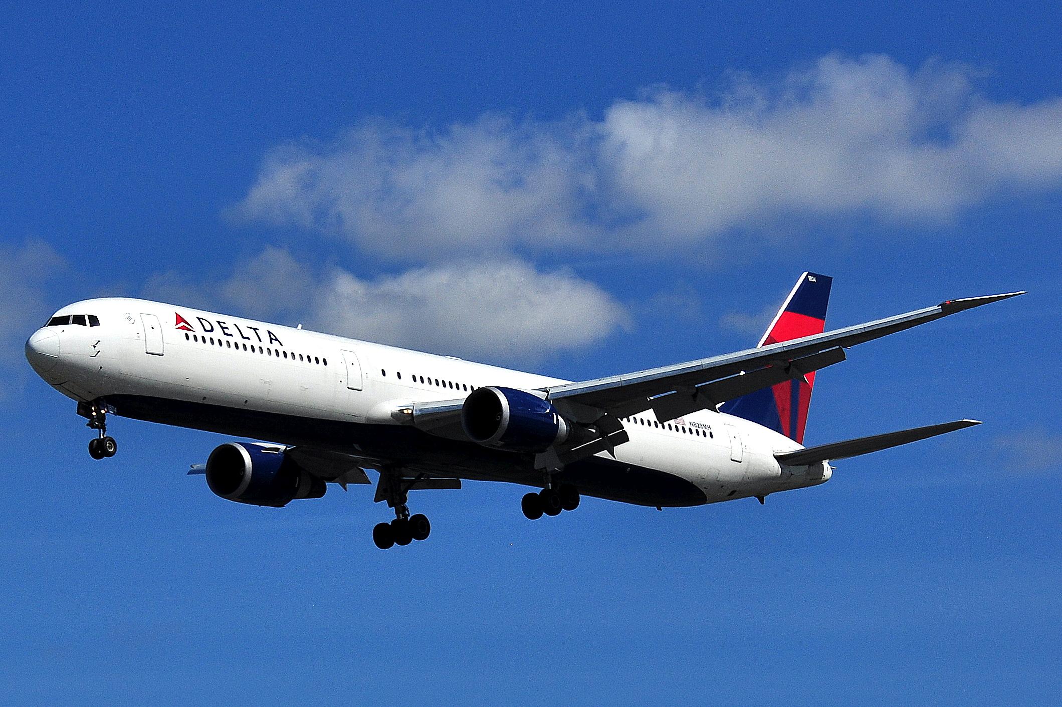 Boeing 767-432ER – Delta Airlines (N828MH) (Foto: Eluveitie / Wikipedia)