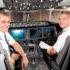 Piloter i cockpittet på et af Norwegians Boeing 787-fly. Foto: Norwegian.