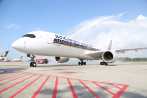 Singapore Airlines fik den 3. marts 2016 leveret første Airbus A350-900 XWB. (Foto: Airbus)