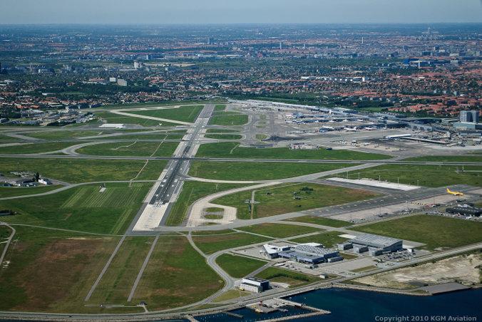 Bane 30 i Københavns Lufthavn (Foto: Flykort.dk | KGM 3D Technology)