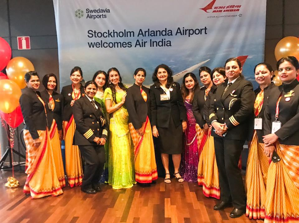 Besætningen på den første Air India-flyvning til Stockholm bestod udelukkende af kvinder. Foto: Stockholm Arlanda Airport.