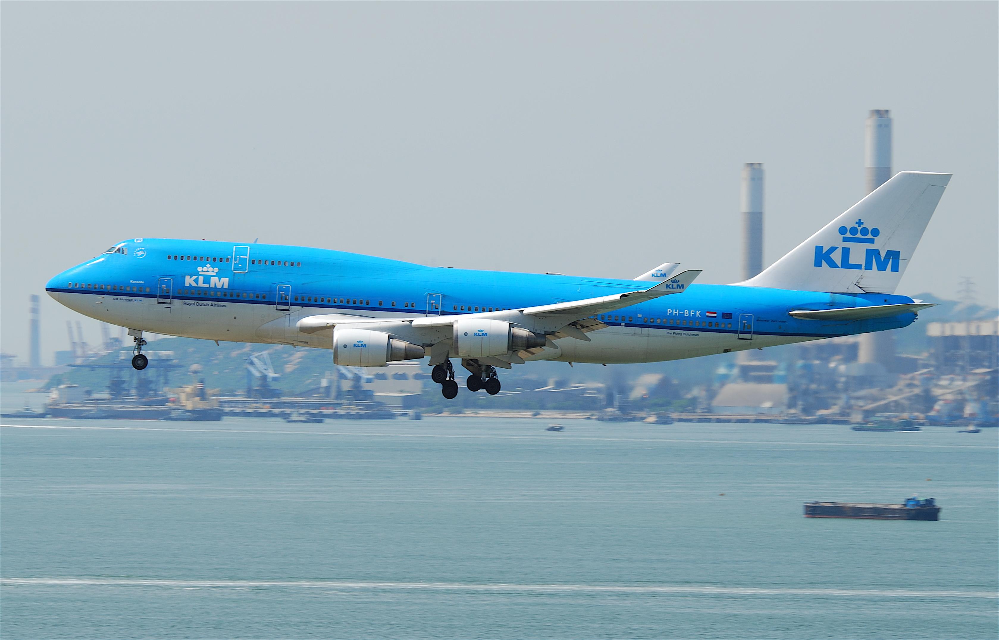 Boeing 747-400 fra KLM under landing i Hong Kong International Airport (Foto: Aero Icarus | Creative Commons 2.0)