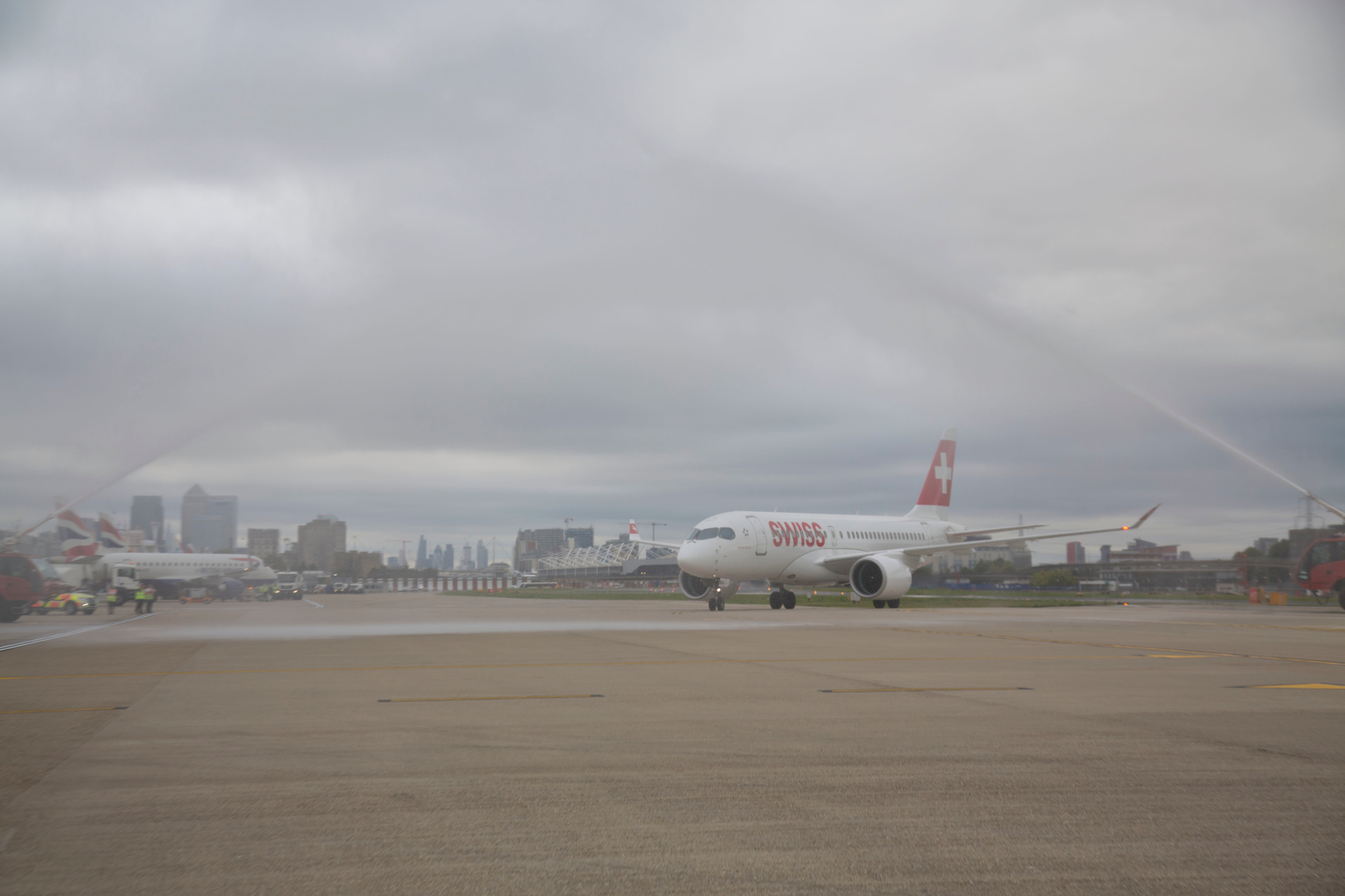 SWISS Bombardier CS100 i London City Airport (Foto: London City Airport)
