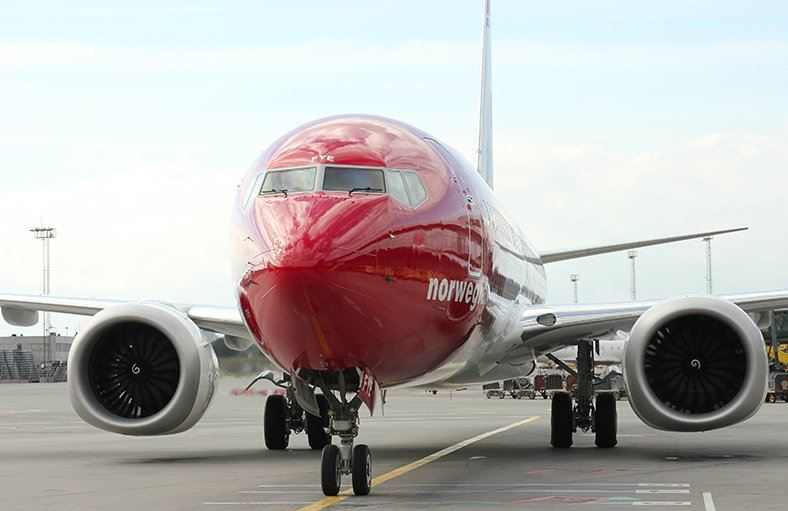 Boeing 737 MAX-8 fly fra Norwegian ved gaten i Københavns Lufthavn. (Foto: Københavns Lufthavn)