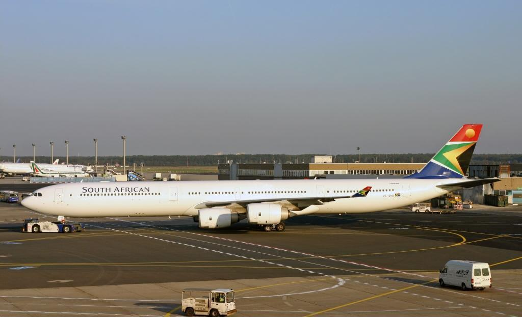 En Airbus A340-600 fra South African Airways. Foto: SodiumHydroxide