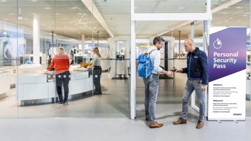 Den nye indgang til sikkerhedskontrollen, hvortil passagerer hjemmefra kan bestille tid. Foto: Amsterdam-Schiphol