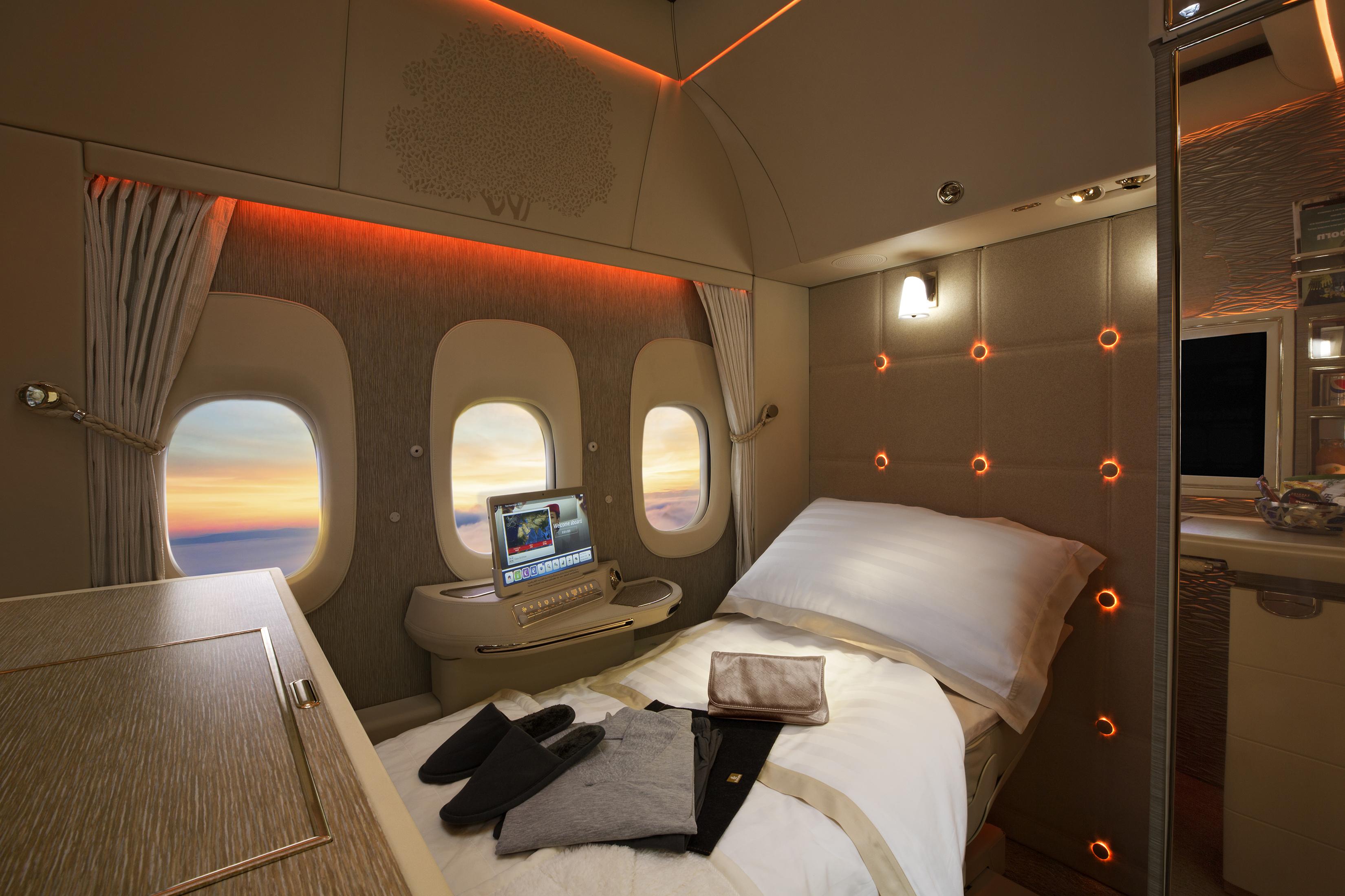 En af de nye First Class-suiter ombord på Boeing 777 hos Emirates. Foto: Emirates