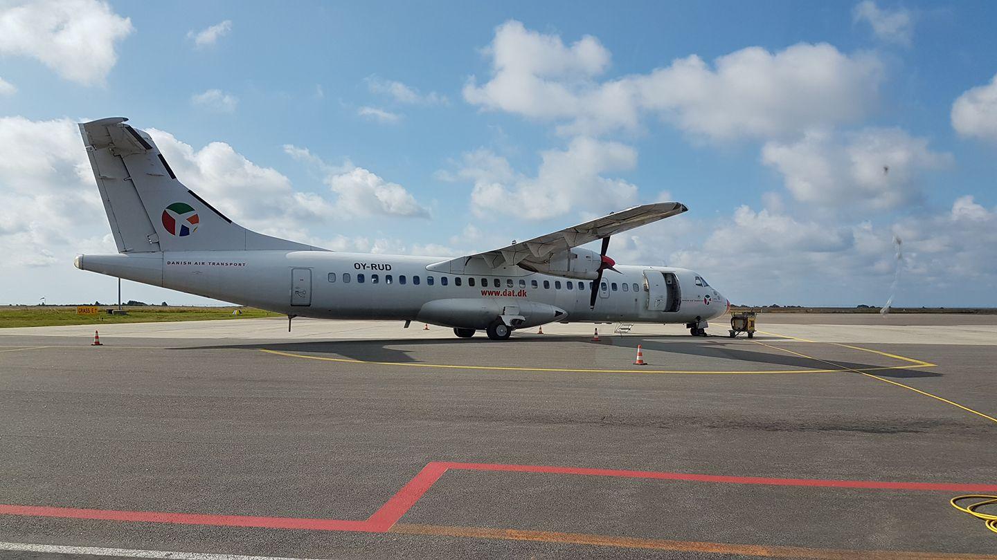 Danish Air Transport ATR72-200 i lufthavnen i Rønne (Foto: Bornholms Lufthavn)