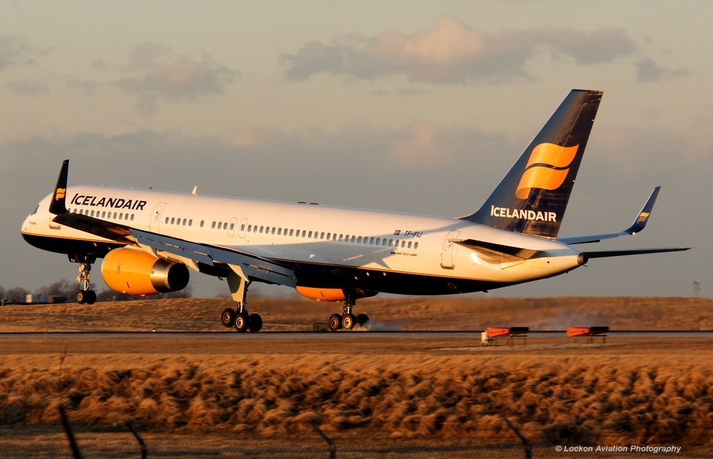 Boeing 757-200 fly fra Icelandair lander i Baltimore-Washington International Airport i marts 2006. Foto: Sunil Gupta / Wikimedia Commons.
