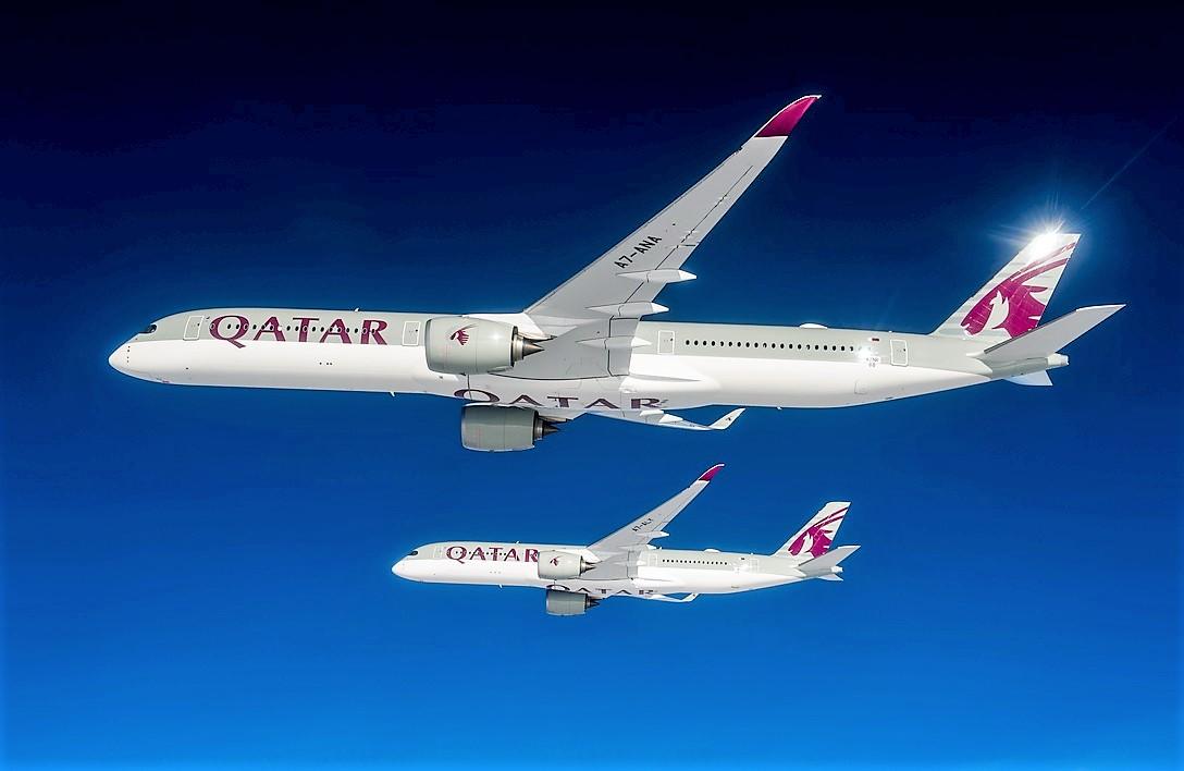 Qatar Airways A350-1000 og A350-900 i formation. Foto: Qatar Airways.