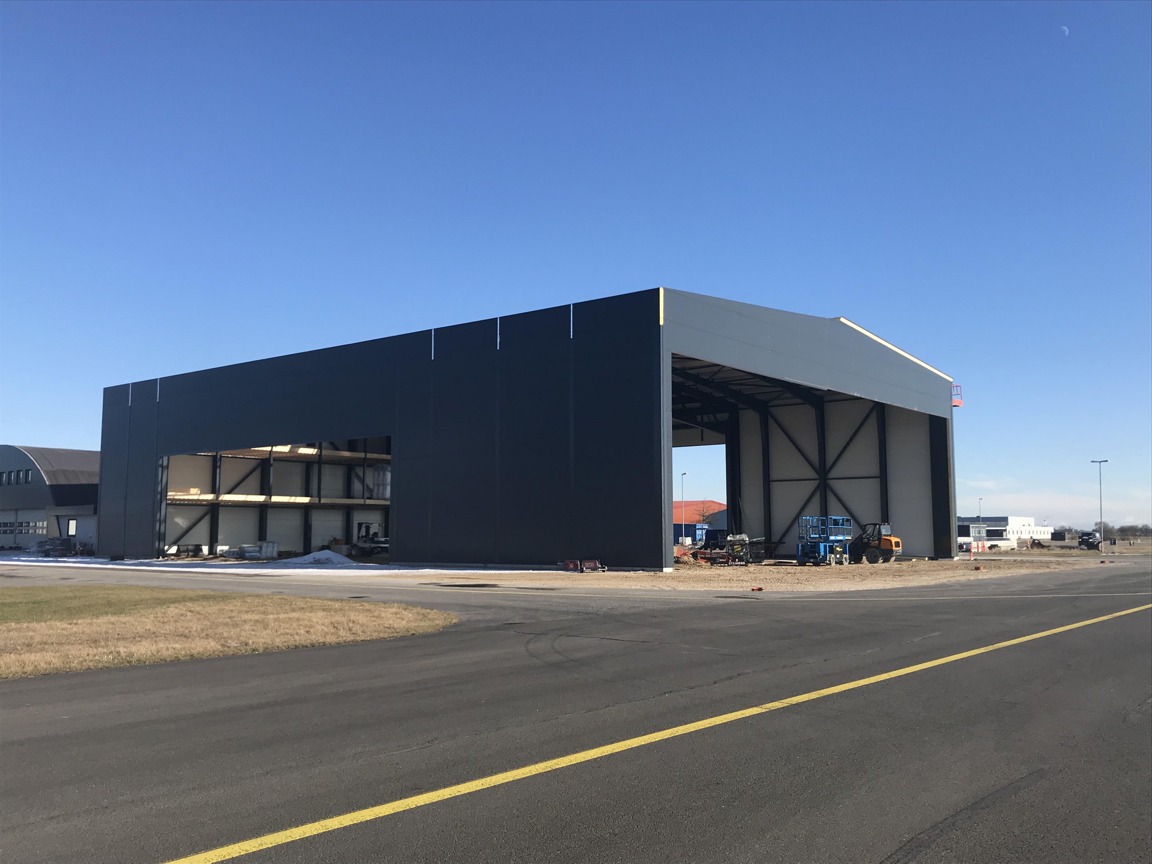 Den nye hangar bliver på 1.300 kvadratmeter. Foto: Roskilde Lufthavn.