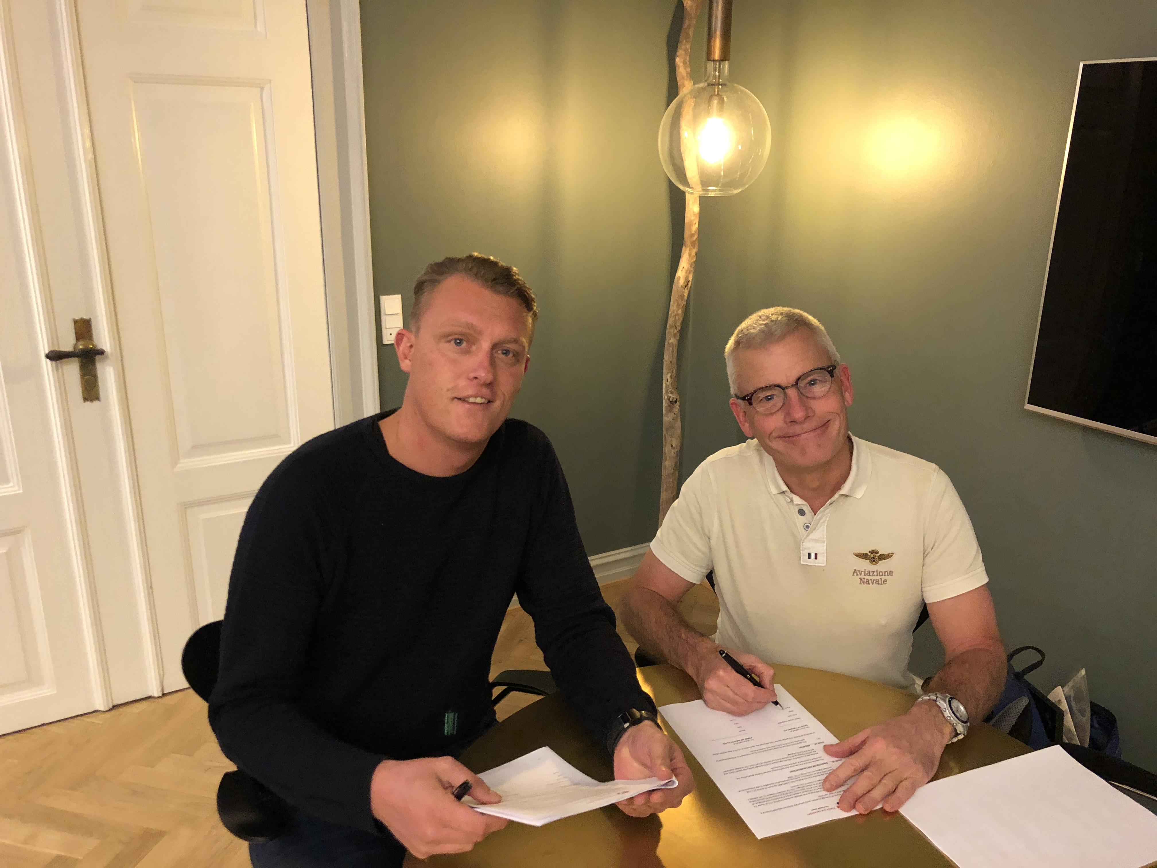 Adm. direktør Bjarke Hansen, Primo Tours (t.v.)  og adm. direktør Jesper Rungholm, DAT.