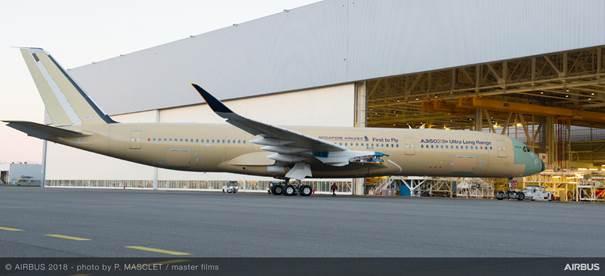 Den første A350 Ultra Long Range har forladt samlefabrikken. Foto: Airbus.