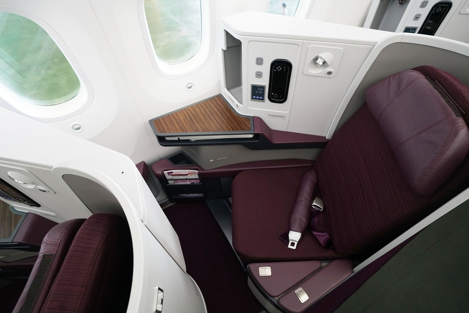 Business Class (Royal Silk) sæde i Thai Airways Boeing 787-9 Dreamliner (Foto: Spin9.me)