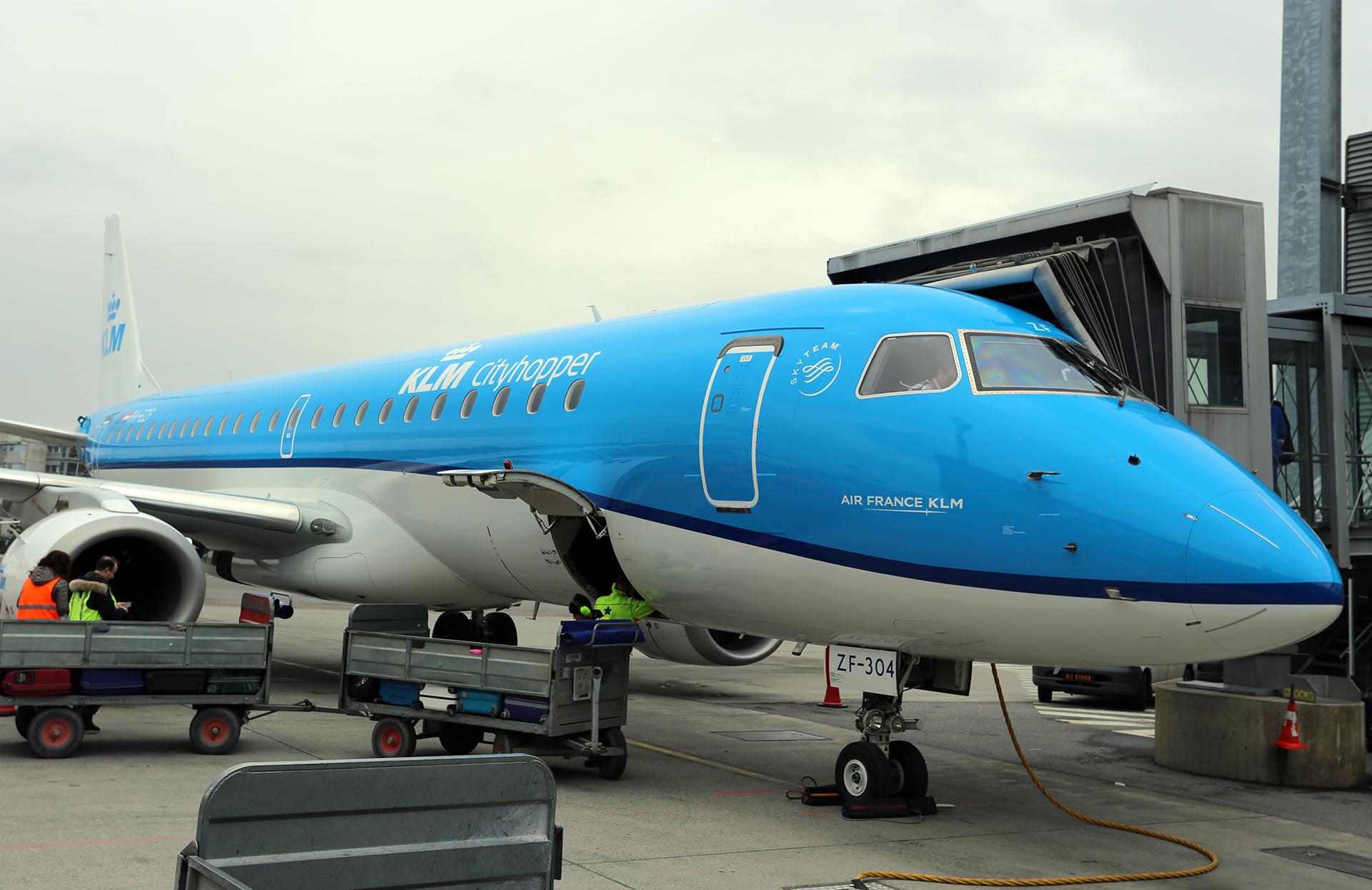 KLM Embraer E-190 i Oslo Lufthavn. (Foto: Avinor)