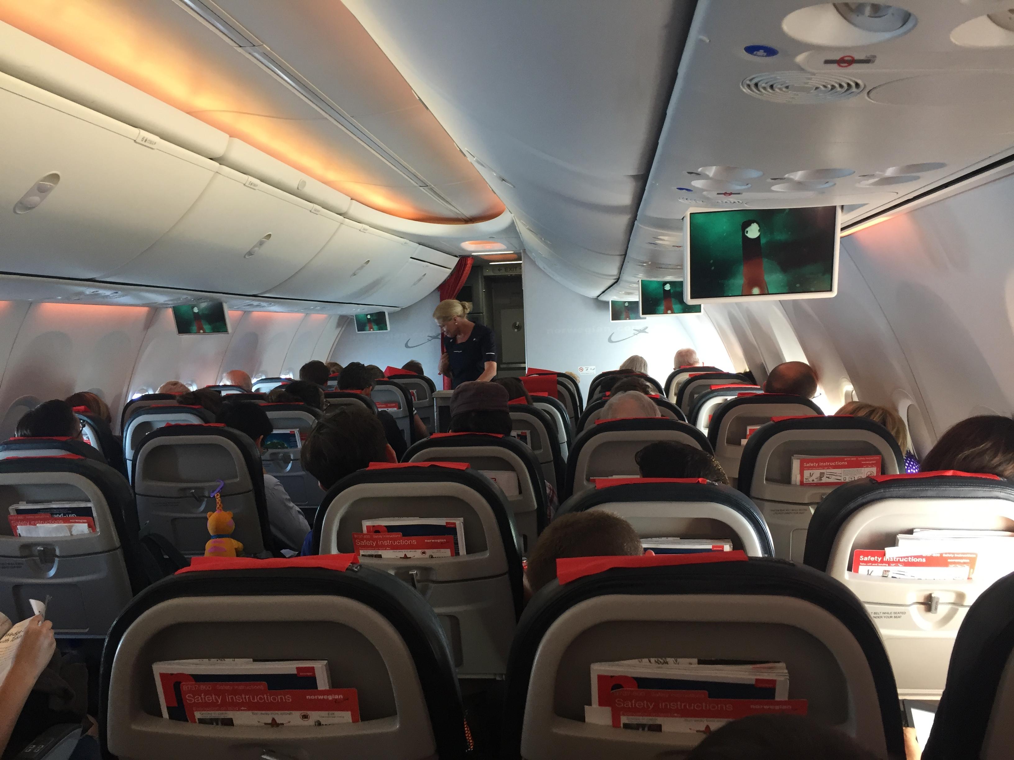 Kabinen i Boeing 737-800-flyet fra Københavns Lufthavn til Amsterdam Schiphol. Foto: Danny Longhi Andreasen