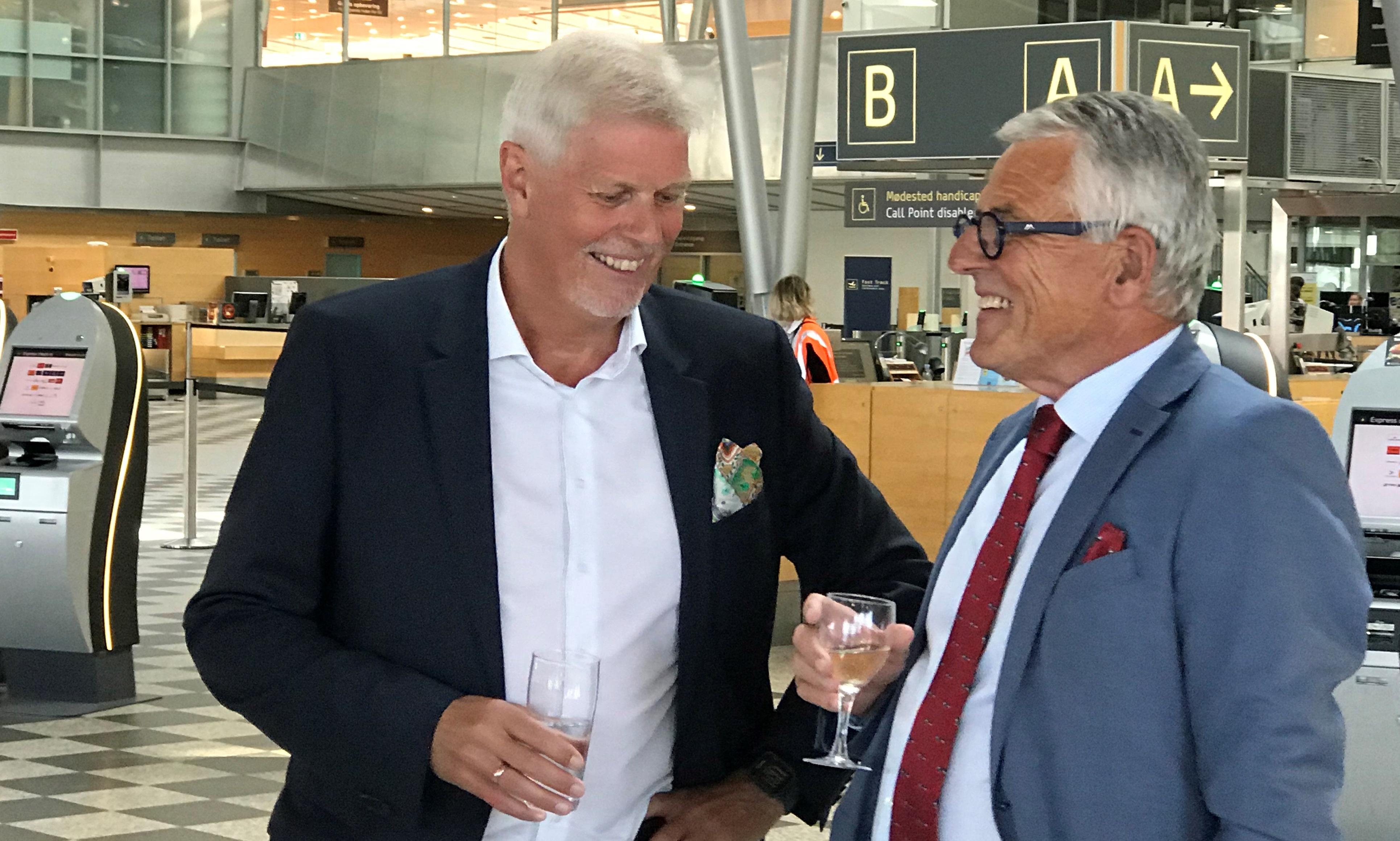 Afgående direktør Kjeld Zacho Jørgensen (t.v) i samtale med bestyrelsesformand Clas Nylandsted Andersen. (Foto: Ole Kirchert Christensen)