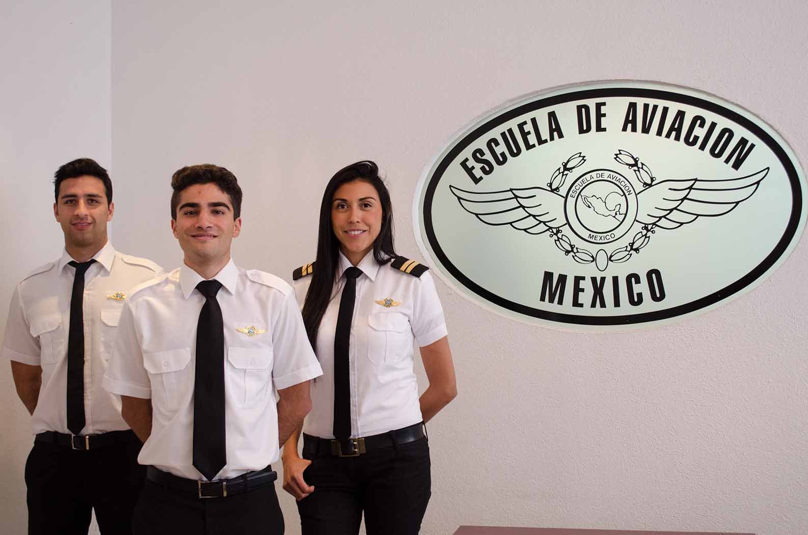 Pilotelever på den mexicanske flyveskole Escuela de Aviacion Mexico. Foto: Airbus