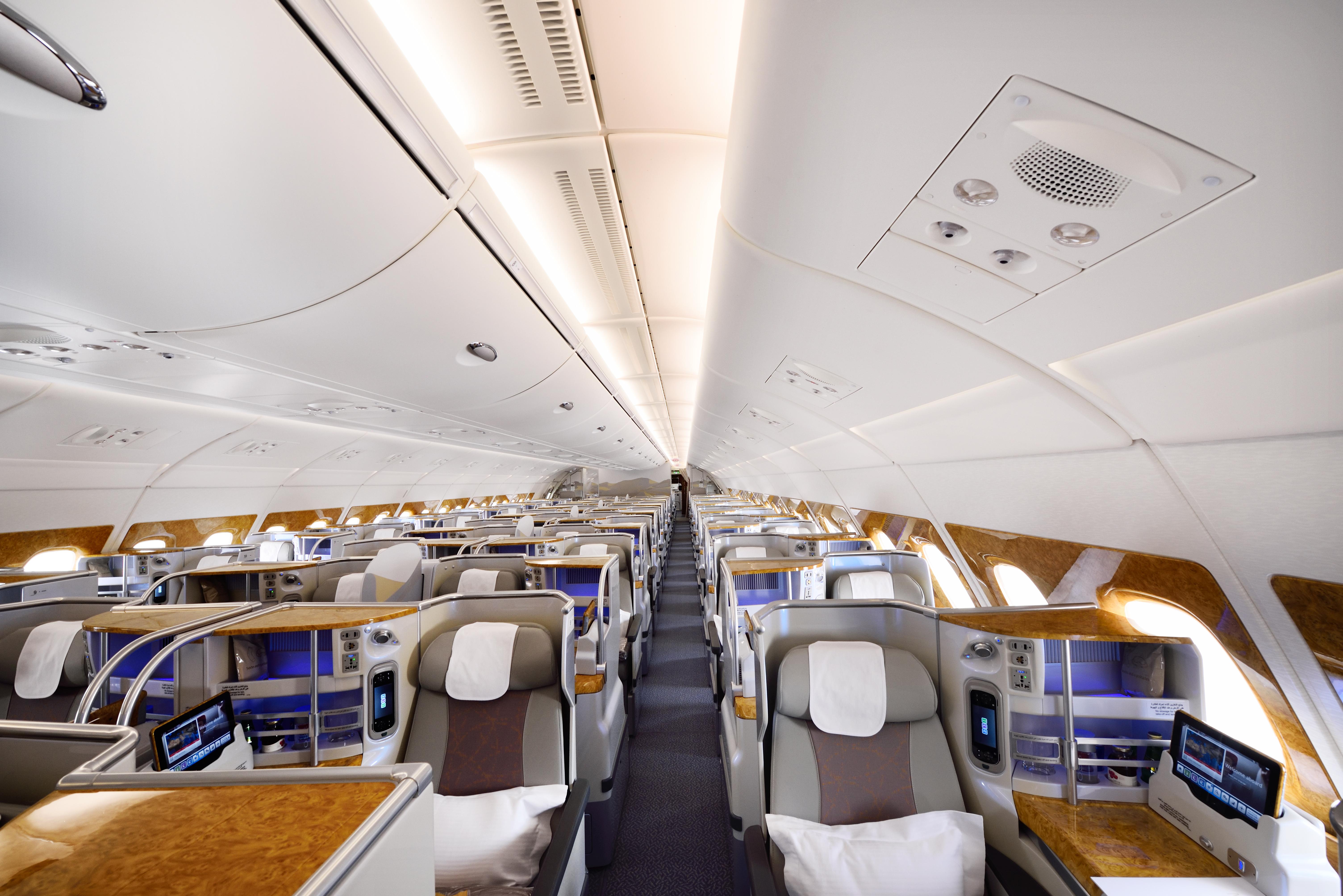 Business Class om bord på en A380 fra Emirates. Foto: Emirates