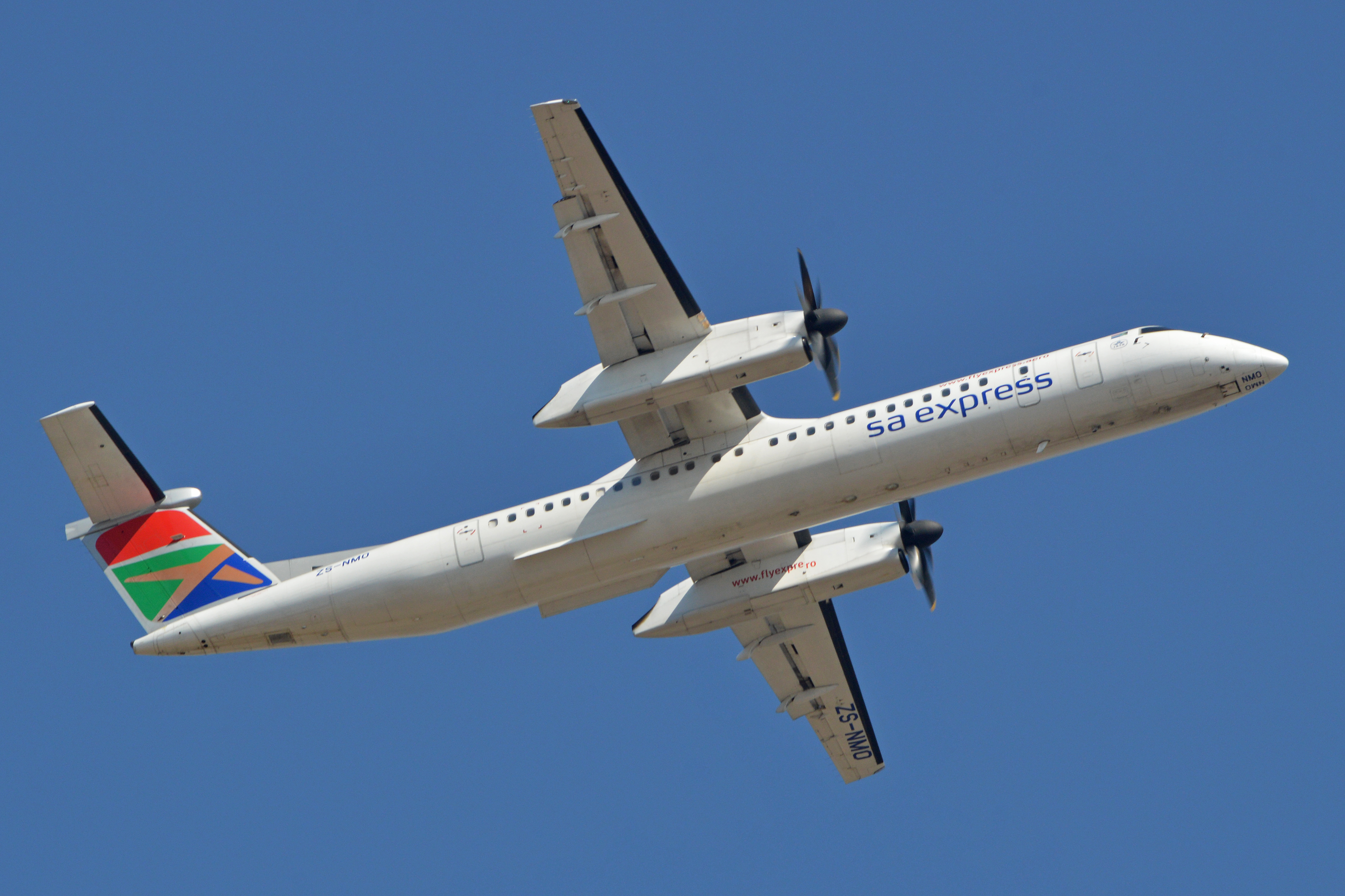 En Bombardier Q400 fra det sydafrikanske flyselskab SA Express. Foto: Alan Wilson