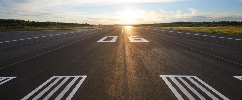 Den helt nyrenoverede startbane i den finske lufthavn Tampere-Pirkkala. Foto: Finavia