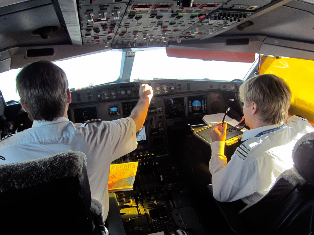 Finnair-piloter i cockpittet. De to piloter på billedet har ikke noget med den aktuelle sag at gøre. (Arkivfoto: Christina Lund Sørensen)