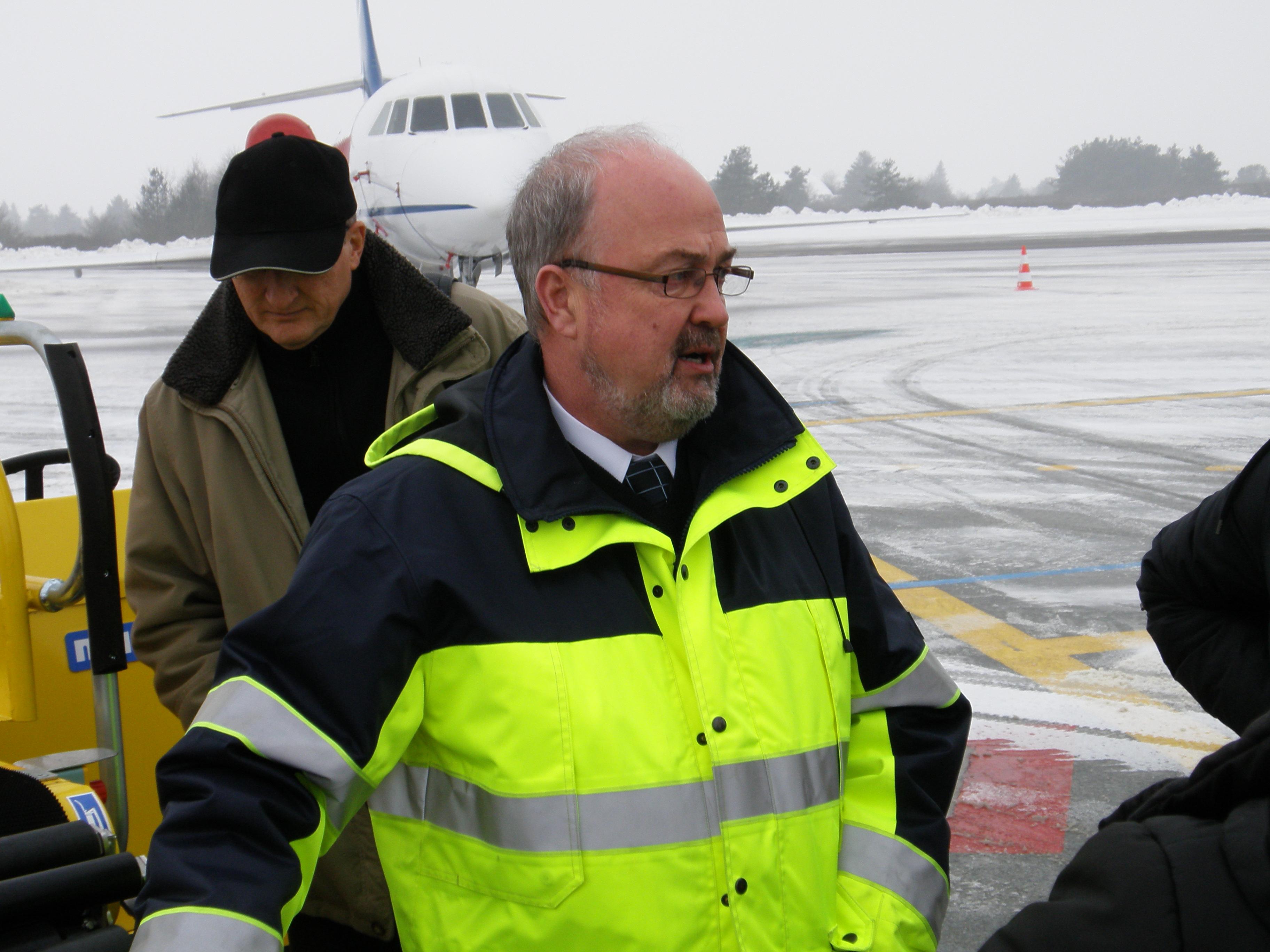 Erik Jakobsen den 18. januar 2010 ved modtagelsen af det første Norwegian-fly i Karup Lufthavn (Foto: Ole Kirchert Christensen)