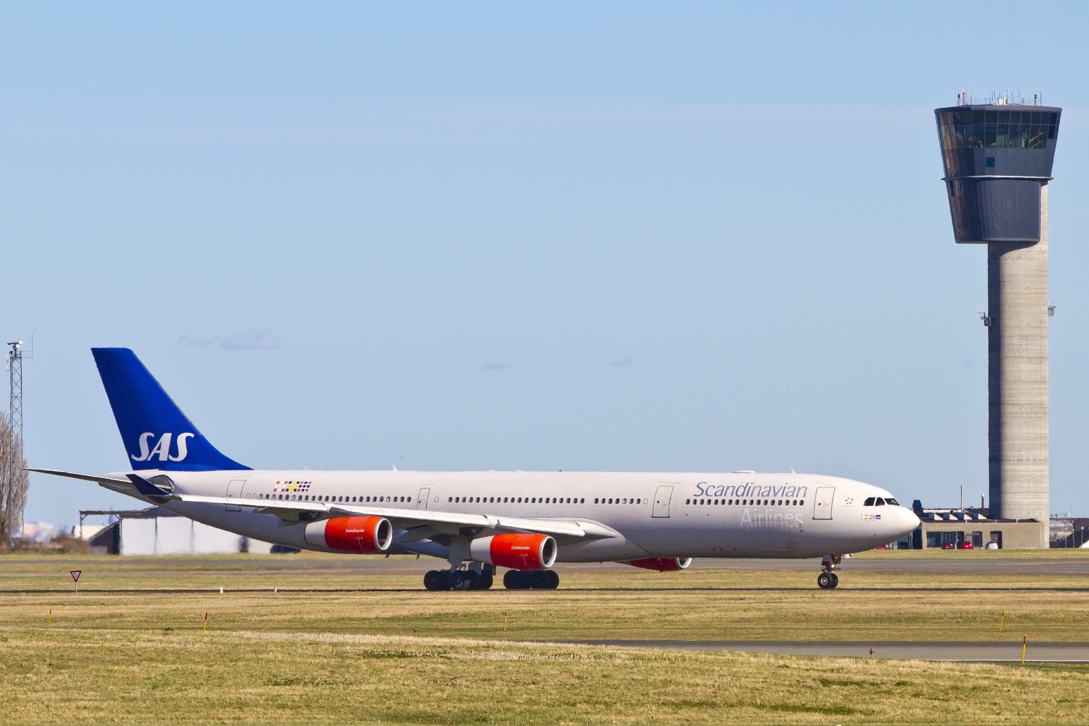 Airbus A340-300 fra SAS i Københavns Lufthavn. (Arkivfoto: © Thorbjørn Brunander Sund, Danish Aviation Photo)