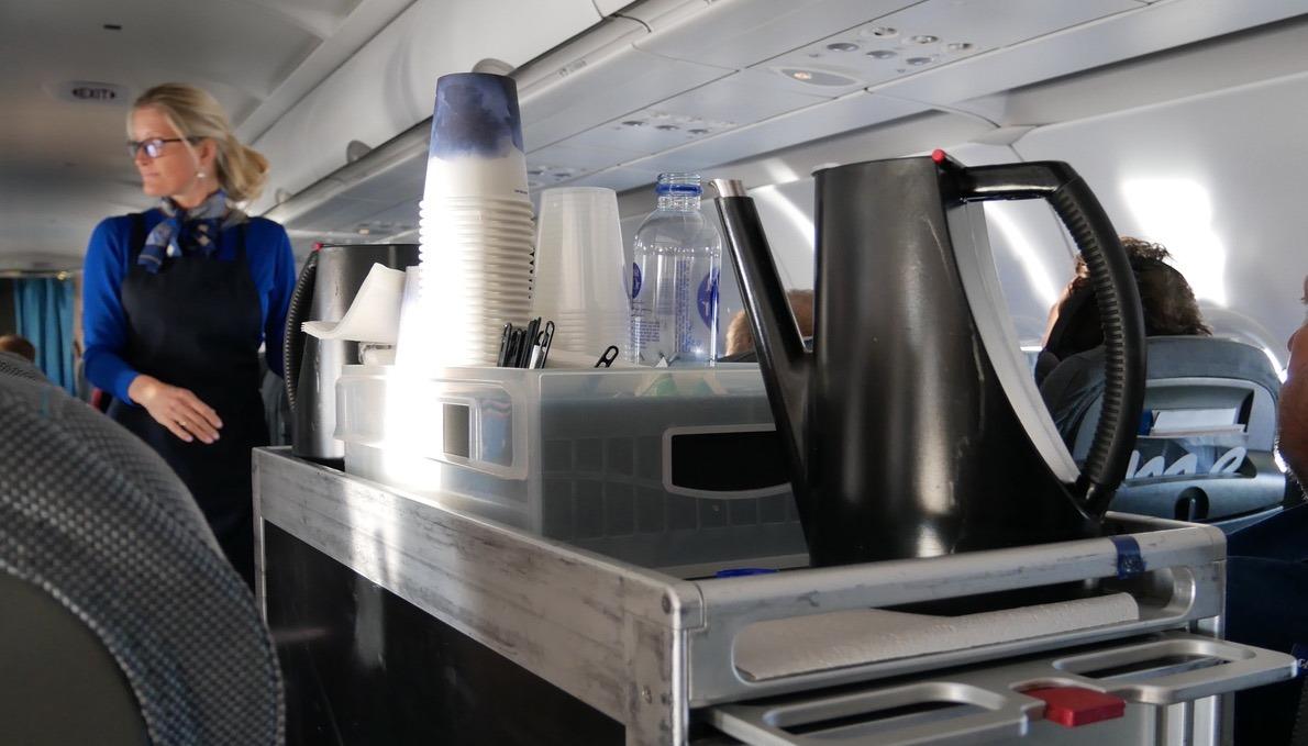 Kaffe, the og vand er som sædvanlig inkluderet på alle serviceklasser. (Foto: Jan Aagaard)